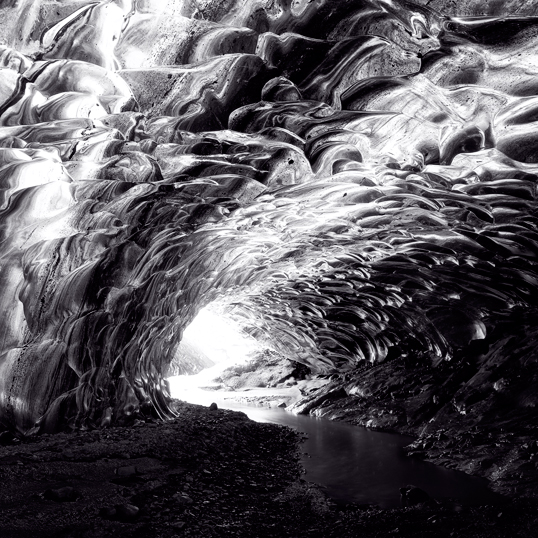 Link to image of Northern Lights Ice Cave Passage.