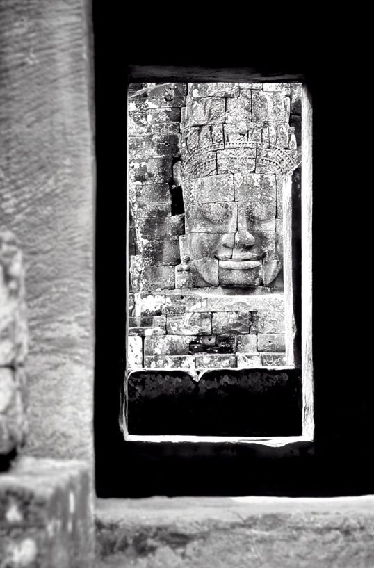 Link to image of Sublime Khmer Smile, Bayon, 1993, Siem Reap